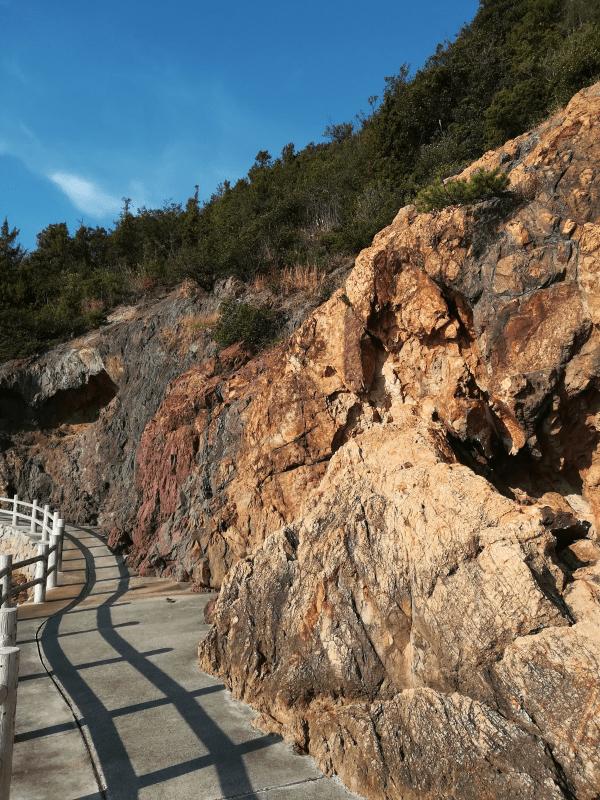 奇門遁甲で仙酔島の五色岩へ